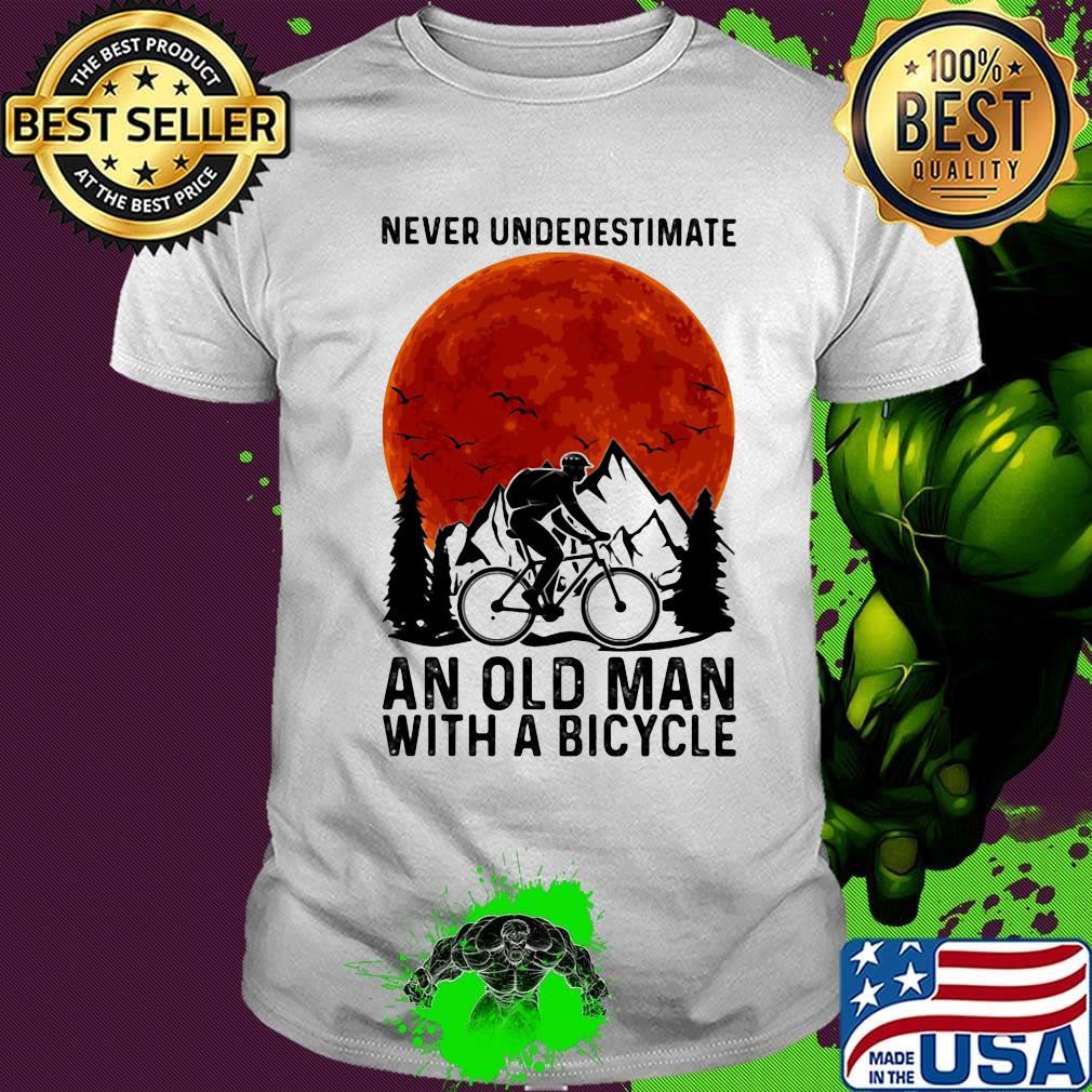 tee Never Underestimate Old Man with Bicycle Unisex Sweatshirt